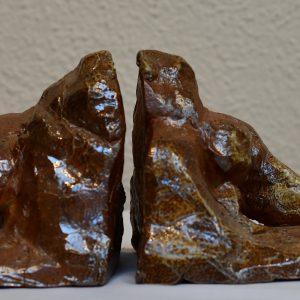 """Jón Leifsson, """"Genom väggen"""", lergods-saltbränning, h/b 11x39,5 cm, 5 500 kr"""